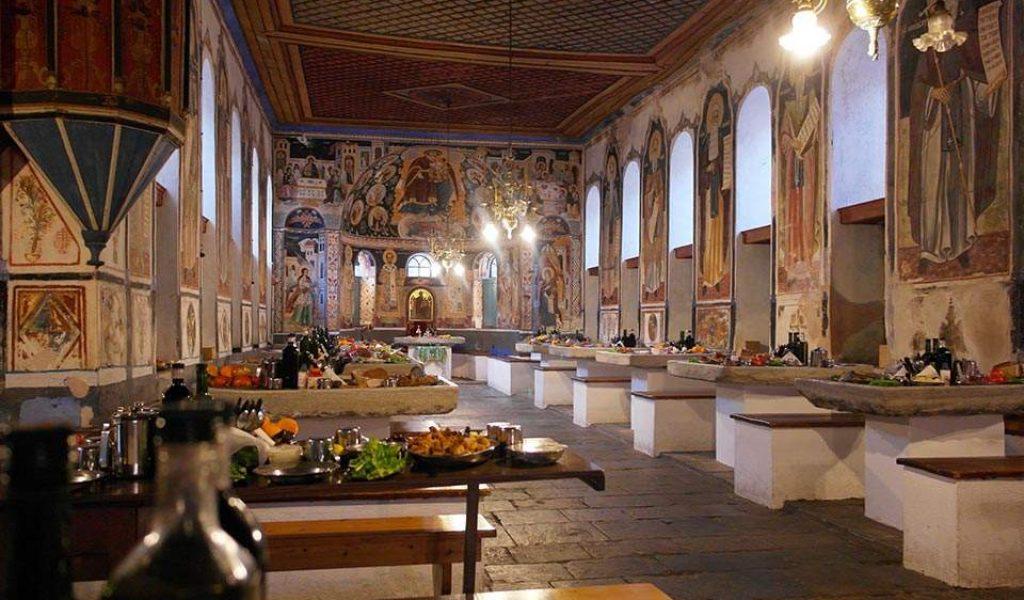 Η τράπεζα φαγητού στο Άγιο Όρος | Athos Tours