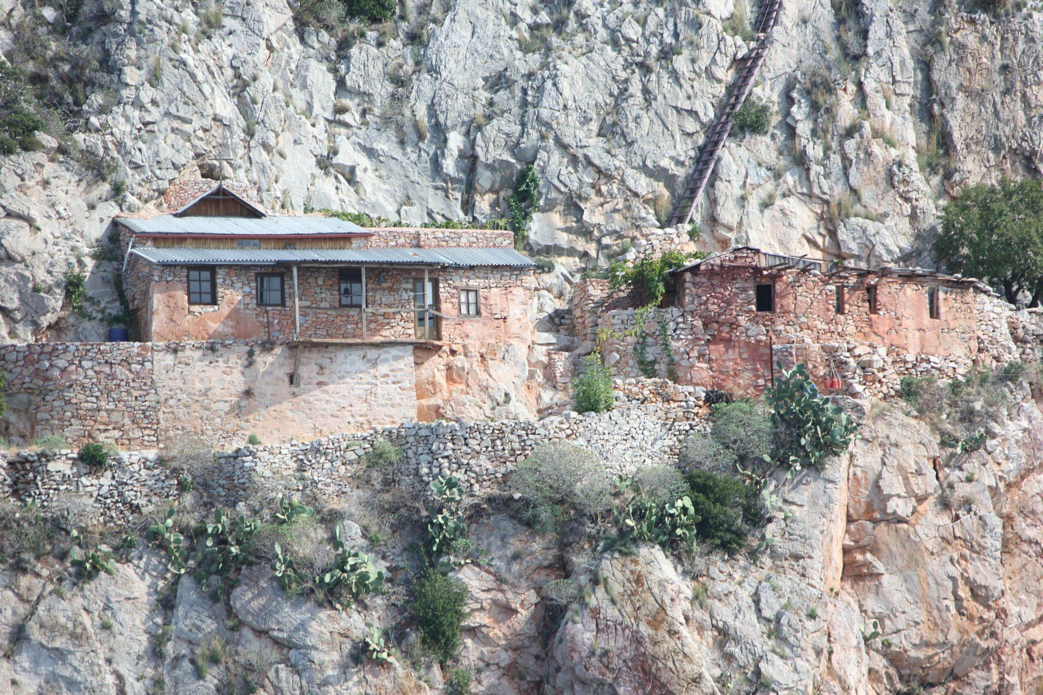 Mount Athos Karoulia hermitages